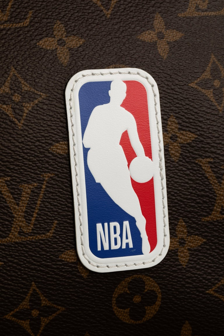 Women's or Men's 1stdibs Exclusive Louis Vuitton Basketball Keepall NBA Brown Monogram For Sale