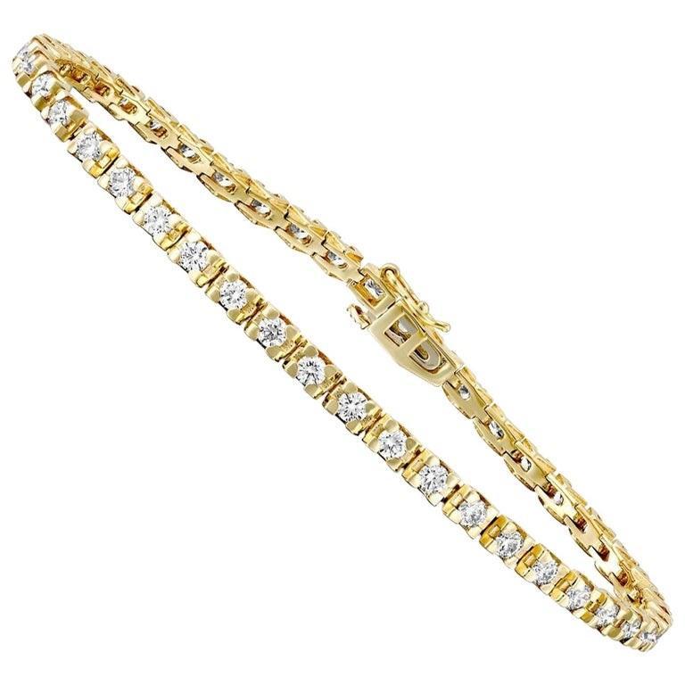 Round Cut 2 1/2 Carat Round Diamond Bracelet, 14 Karat Yellow Gold Diamond Tennis Bracelet For Sale