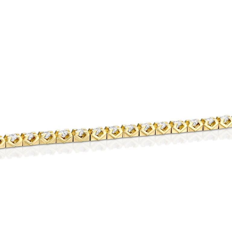 Art Deco 2 1/2 Carat Round Diamond Bracelet, 14 Karat Yellow Gold Diamond Tennis Bracelet For Sale