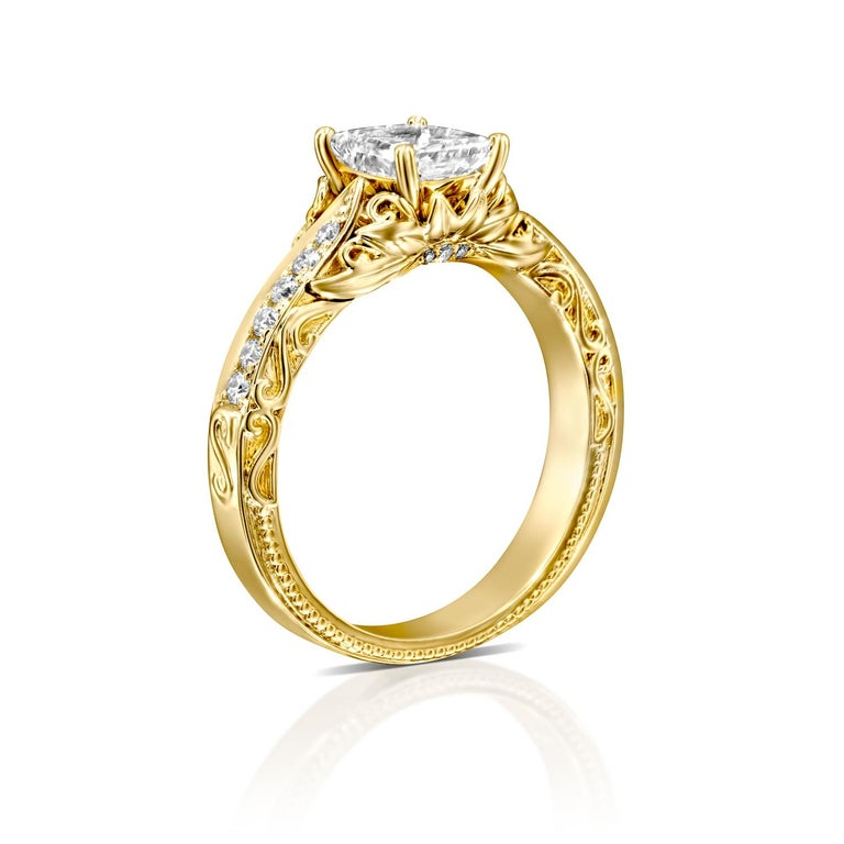 2 1/4 Carat Radiant Cut Ring, 18 Karat Yellow Gold Vintage Diamond Ring In New Condition For Sale In New York, NY