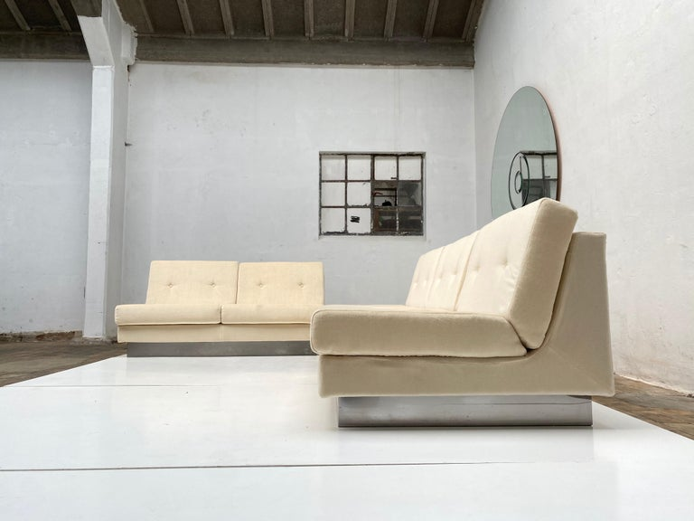 2 and 3 Seat Mohair 'CALIFORNIA' Sofas by Jacques Charpentier, Paris, 1970 For Sale 3