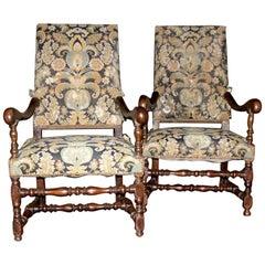 2 Antique Armchairs, Set in Walnut, Original Fabric, Louis XIV Spool, 1600 Italy