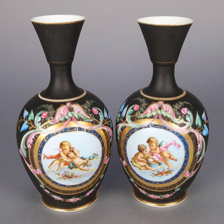 Two Antique French Classical Hand-Painted and Gilt Old Paris Porcelain Vases For Sale 3