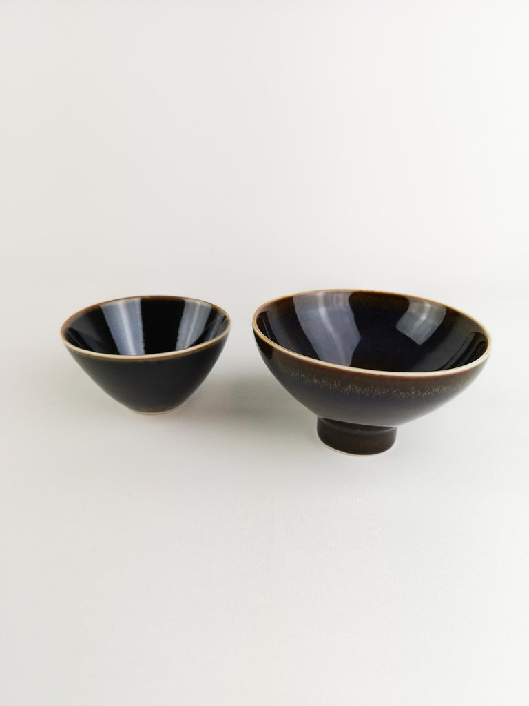 2 small bowls from Rörstrand and maker/Designer Carl Harry Stålhane. Made in Sweden in the midcentury. Beautiful glazed bowls in good condition.