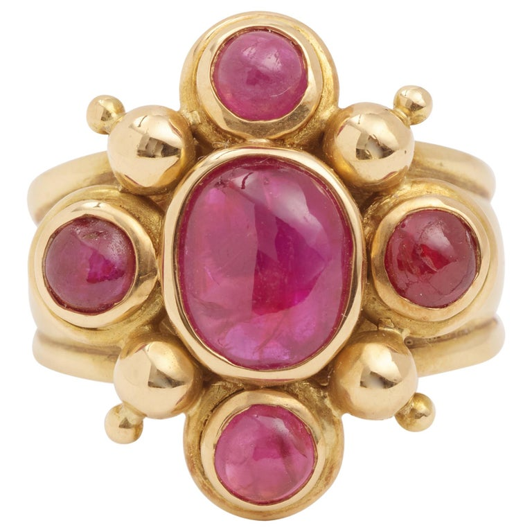 2 Carat Cabochon Rubies 18 Carat Yellow Gold Ring For Sale