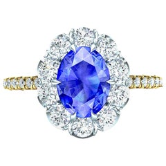 2 Carat Ceylon Blue Sapphire and Diamond white and Yellow Gold Ring