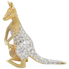 2 Carat Diamond Kangaroo Brooch in 14 Karat Yellow Gold