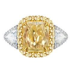 2 Carat Fancy Yellow Diamond White and Yellow Diamonds 18 Karat White Gold Ring