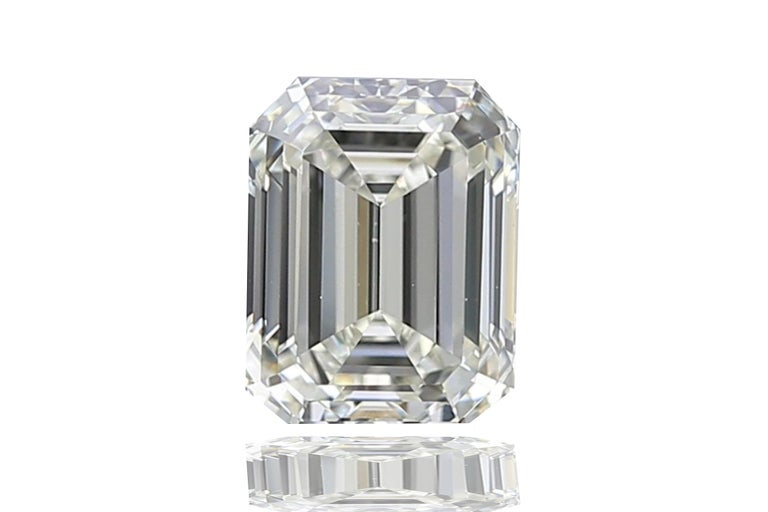 2 Carat GIA Certified K-VS2 Emerald Cut Engagement Ring For Sale 1