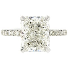 2 Carat Radiant Cut Diamond 'GIA' with Diamonds under the Basket