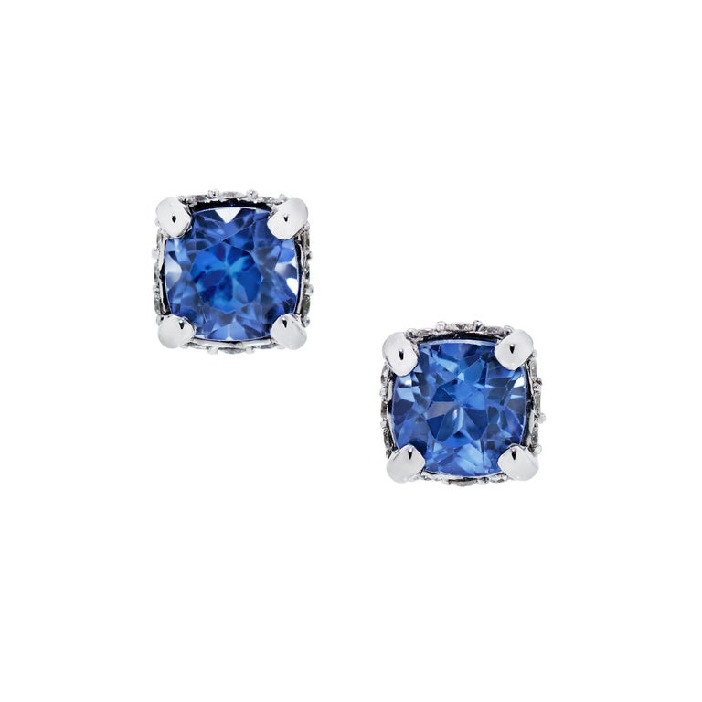 Modern 2 Carats Cushion Cut Sapphires and Diamonds Necklace and Earring Set in 14k WG For Sale