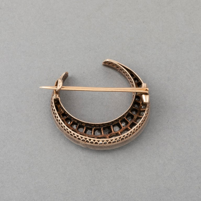 2 Carat Diamonds Antique French Crescent Brooch In Good Condition For Sale In Saint-Ouen, FR