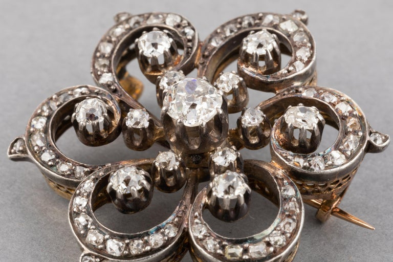 2 Carat Diamonds French Antique Brooch In Good Condition For Sale In Saint-Ouen, FR