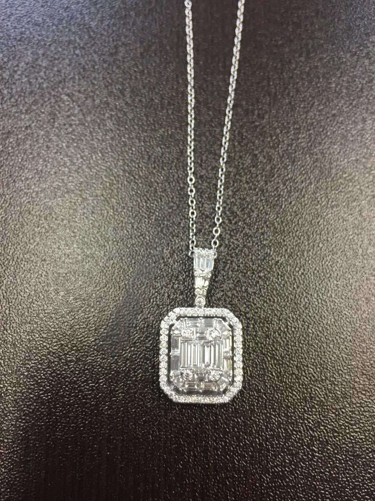 2 Carat Emerald Cut Diamond Pendant In New Condition For Sale In Great Neck, NY