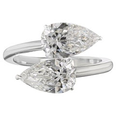2 Ct Pear Diamond Contrariè Ring 18 Kt White Gold Ring
