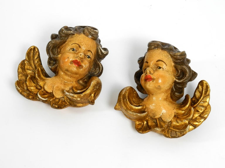 2 Enchanting Little Handmade Italian Wooden Angel Heads from the 1930s to Hang For Sale 12