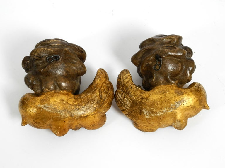 2 Enchanting Little Handmade Italian Wooden Angel Heads from the 1930s to Hang For Sale 1