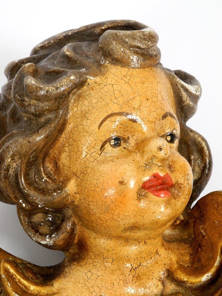 2 Enchanting Little Handmade Italian Wooden Angel Heads from the 1930s to Hang For Sale 3
