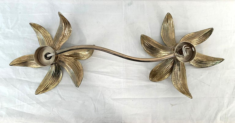 Mid-Century Modern 2 Flowers Wall Sconce by Willy Daro, 1970s For Sale