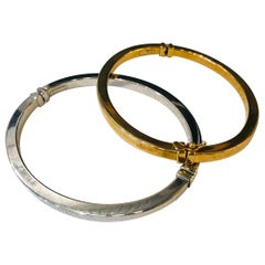 2 Italian Stamped 18-Karat Yellow and White Gold Bangles / Bracelet with Clasps