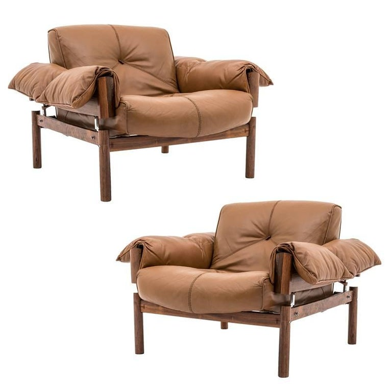 Two Midcentury Brazilian Lounge Chairs in Leather and Rosewood by Percival Lafer
