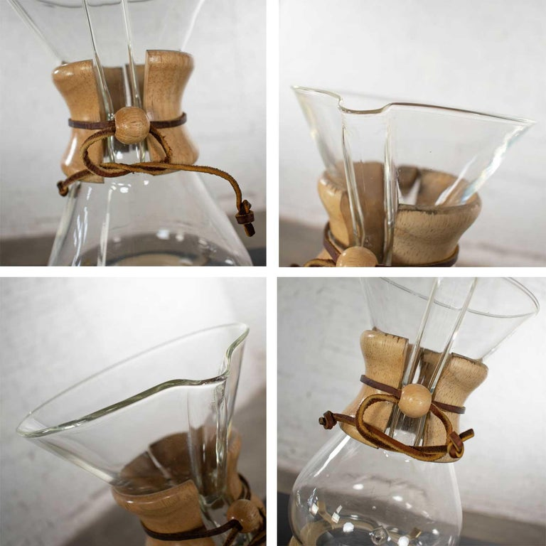 2 Mid-Century Modern Chemex Pour Over Coffeemakers, Peter Schlumbohm with Warmer For Sale 5