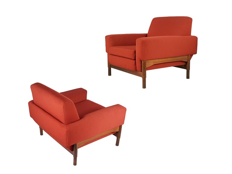 2 Rosewood and Brick Red Fabric 1960 Armchair by S. Saporiti for F.lli Saporiti In Good Condition For Sale In Varese, Lombardia