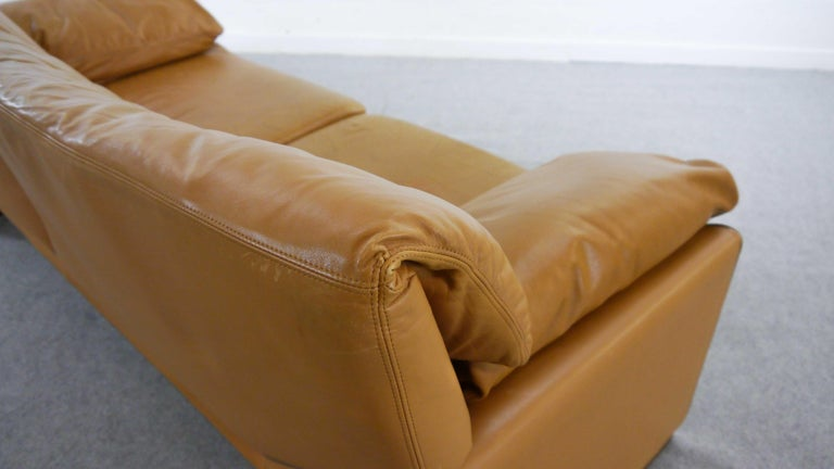 2-Seat Lounge Sofa by Etienne Aigner in Cognac Leather For Sale 4