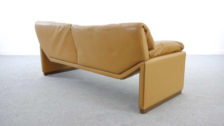 2-Seat Lounge Sofa by Etienne Aigner in Cognac Leather For Sale 5