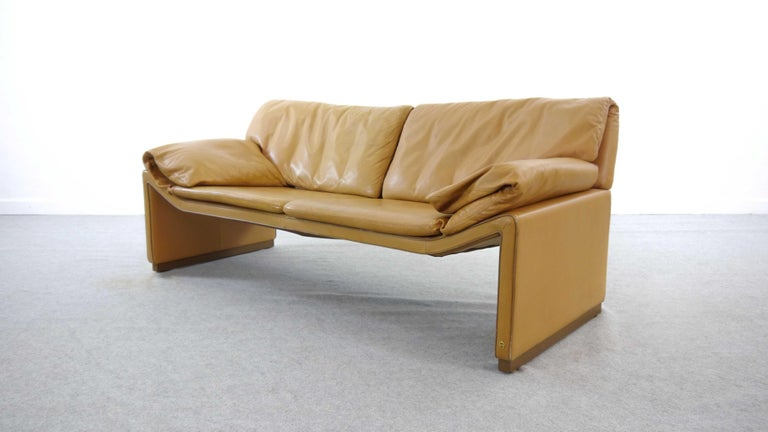 2-Seat Lounge Sofa by Etienne Aigner in Cognac Leather In Fair Condition For Sale In Halle, DE