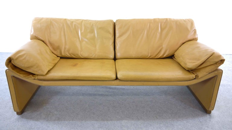 Late 20th Century 2-Seat Lounge Sofa by Etienne Aigner in Cognac Leather For Sale
