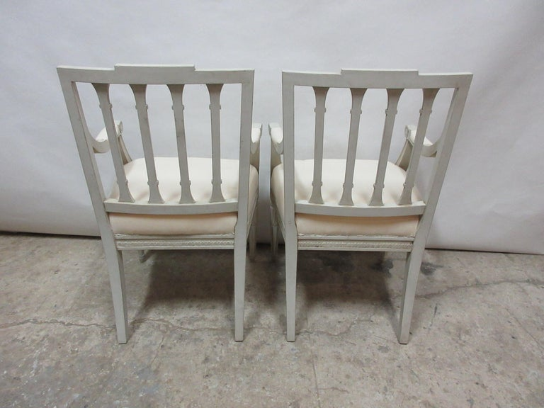 2 Swedish Gustavian Armchairs In Distressed Condition For Sale In Hollywood, FL