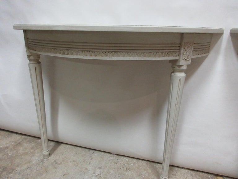 2 Swedish Gustavian Console Tables In Distressed Condition For Sale In Hollywood, FL