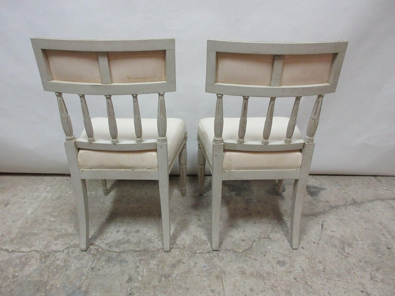 Early 20th Century 2 Swedish Gustavian Side Chairs For Sale