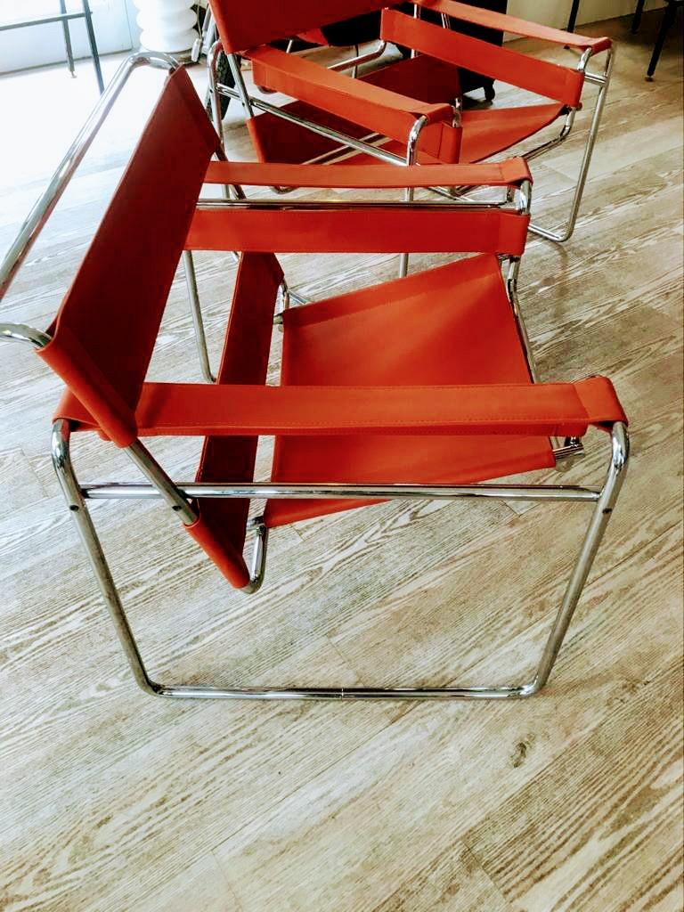 Central American Pair of Wassily Orange Leather Armchairs Tubular Chrome Marcel Breuer for Knoll For Sale