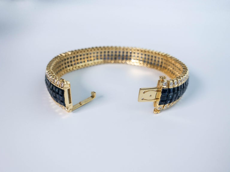 Art Deco 20 Carat Blue Sapphire and 4 Carat Diamond Invisible Set Bracelet in 18K Gold For Sale