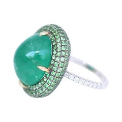 20 Carat Cabochon Emerald Diamonds Ring White 18 Karat Gold, 1970