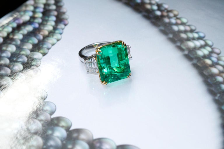 20 Carat Colombian Emerald Engagement Ring  For Sale 4
