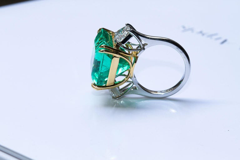 20 Carat Colombian Emerald Engagement Ring  For Sale 7