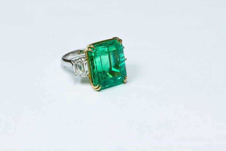 20 Carat Colombian Emerald Engagement Ring  For Sale 8