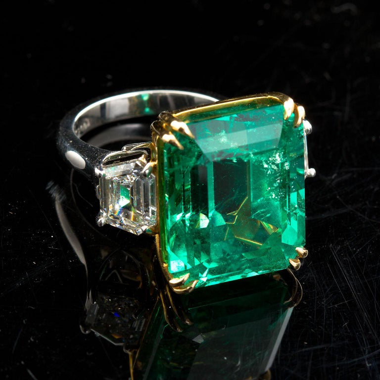 20 Carat Colombian Emerald Engagement Ring  In New Condition For Sale In Lakewood, NJ