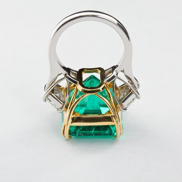 20 Carat Colombian Emerald Engagement Ring  For Sale 1