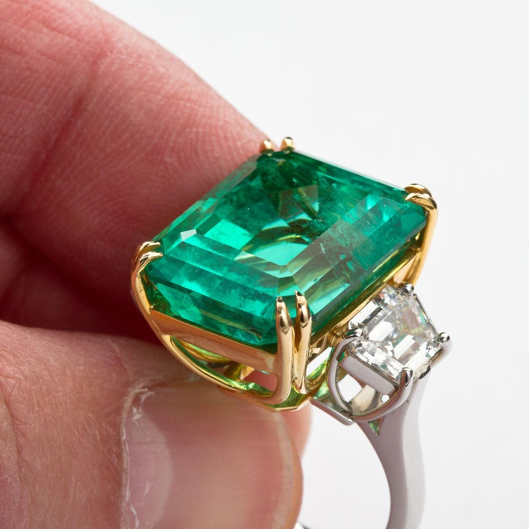 20 Carat Colombian Emerald Engagement Ring  For Sale 3