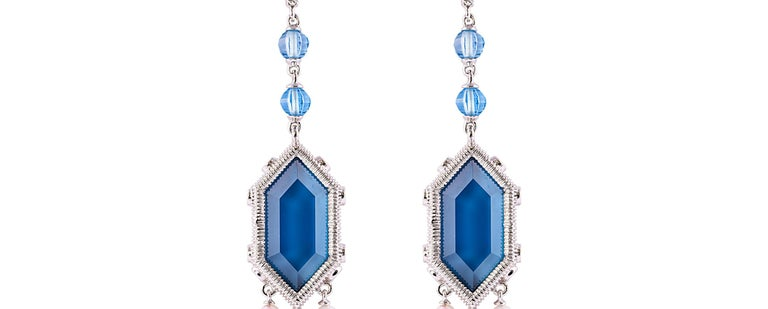 Contemporary 20 Carat London Blue Topaz Earring in 18 Karat Gold with Diamonds and Pearls For Sale