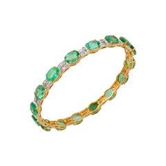 20 Carat Oval Natural Emeralds & Diamonds 18 Karat Yellow Gold 17 Grams Bangle