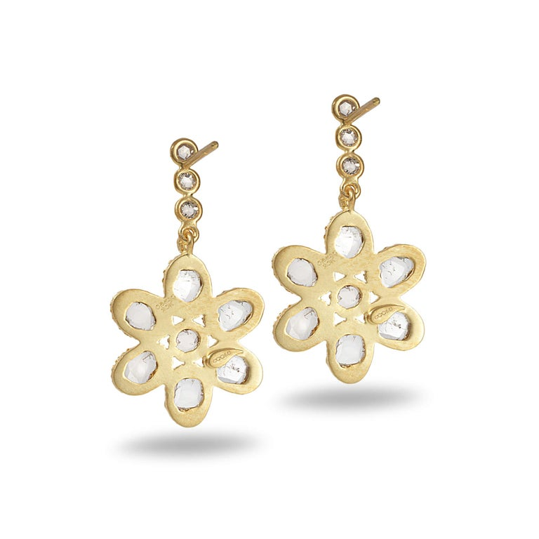 Affinity flower earrings set in 20K yellow gold with 1.47cts diamond.