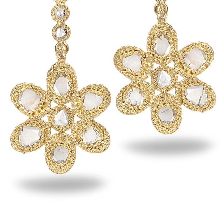 20 Karat Diamond Flower Earrings In New Condition For Sale In Secaucus, NJ