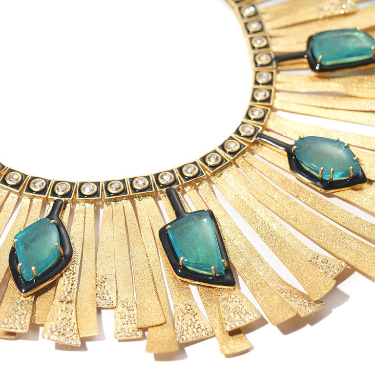 20 Karat Emerald and Diamond Sunburst Necklace In New Condition For Sale In Secaucus, NJ