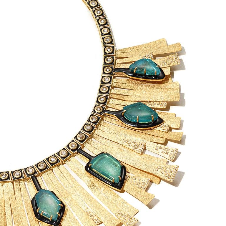 20 Karat Emerald and Diamond Sunburst Necklace For Sale 1