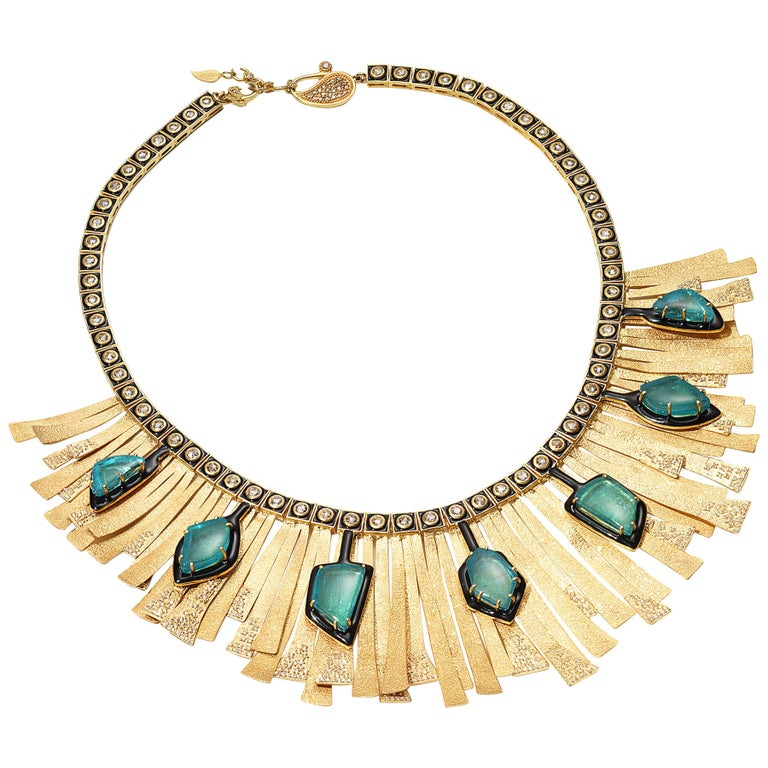 20 Karat Emerald and Diamond Sunburst Necklace For Sale